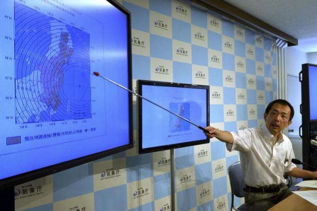 Une forte secousse de magnitude6,8, suivie de plusieurs... (PHOTO YOSHIKAZU TSUNO, AFP)