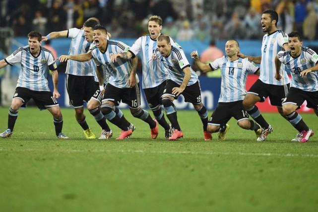 La passion des Argentins était en évidence lors... (Photo Dylan Martinez, Reuters)