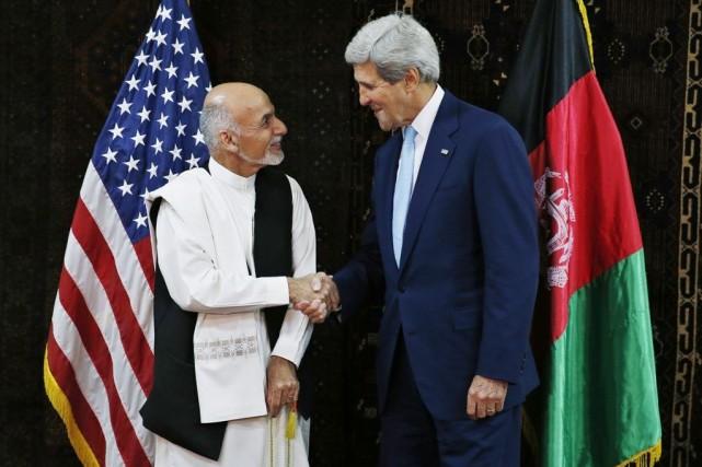 Le candidat à la présidentielle afghane Ashraf Ghani... (PHOTO JIM BOURG, AP)
