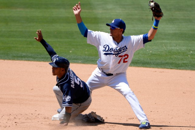 Miguel Rojas (72) des Dodgers de Los Angelses... (Photo Robert Hanashiro, USA TODAY Sports)