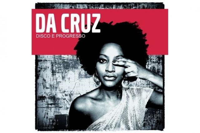 Mariana Da Cruz chantait la bossa-nova dans un club de Lisbonne lorsqu'elle fit...