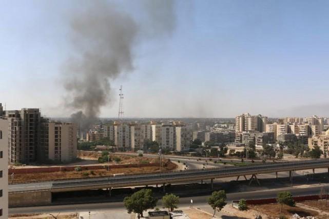 L'aéroport de Tripoli a été fermé dimanche pour... (PHOTO HANI AMARA, ARCHIVES REUTERS)