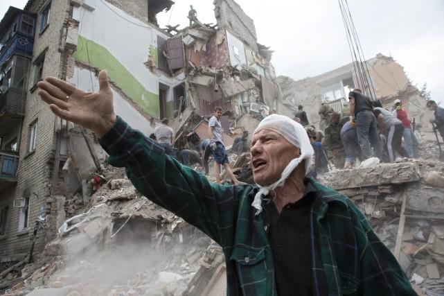 La dévastation à Snizhne (dans l'est de l'Ukraine)... (Photo Dmitry Lovetsky, AP)