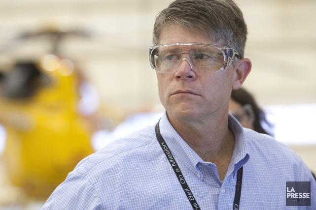 Barry Kohler, président de Bell Helicopter Canada, explique... (PHOTO IVANOH DEMERS, LA PRESSE)