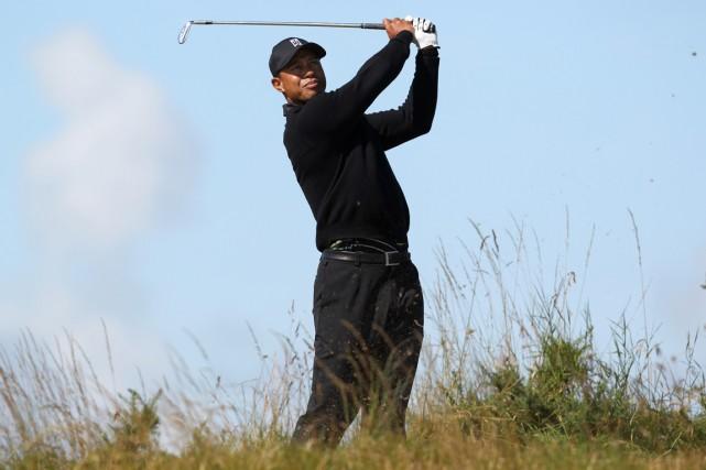 Tiger Woods participera à son premier tournoi majeur... (Photo Peter Muhly, AFP)