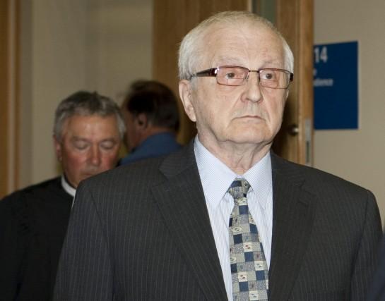 Le père Raymond-Marie Lavoie a été reconnu coupable... (Photo Jacques Boissinot, archives La Presse Canadienne)