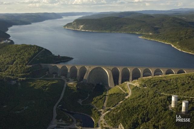 Les surplus d'électricité du Québec entraînent de nombreux... (Photo Ivanoh Demers, archives La Presse)