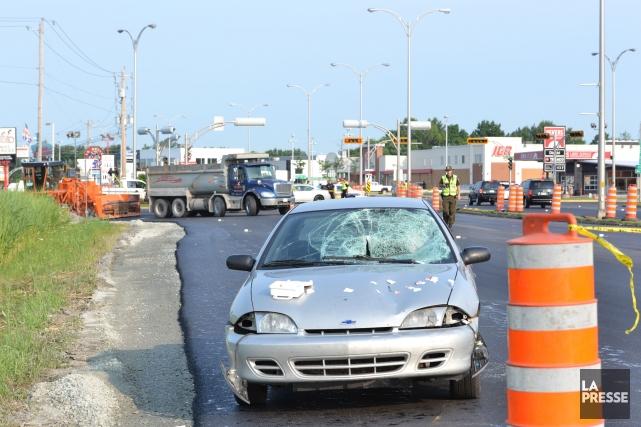 Un surveillant de chantier routier repose dans un état critique, après avoir... (Photo Stéphane Gauthier, collaboration spéciale)