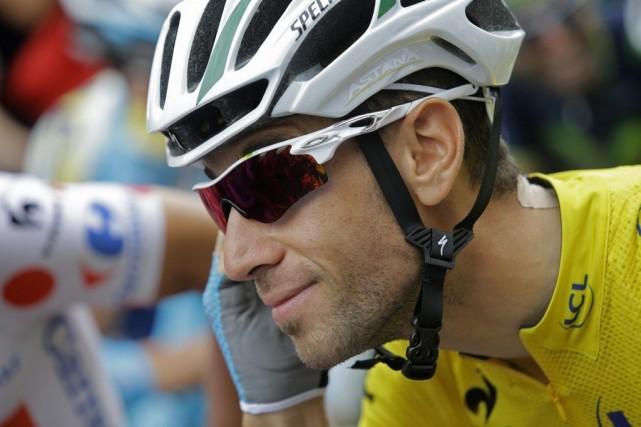 À ce rythme, Vincenzo Nibali pourra utiliser son... (Photo Laurent Cipriani, AP)