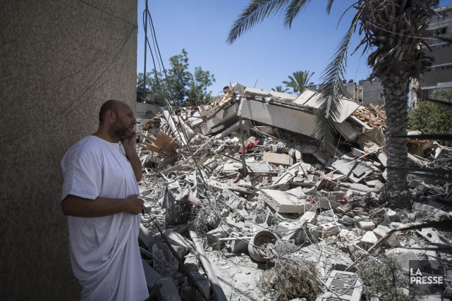 Chaque jour, de nouvelles maisons sont détruites dans... (PHOTO OLIVIER PONTBRIAND, LA PRESSE)