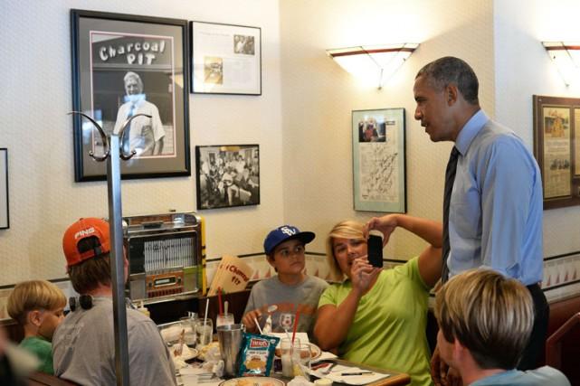 Le président Obama s'est arrêté au Charcoal Pit... (Photo: AP)