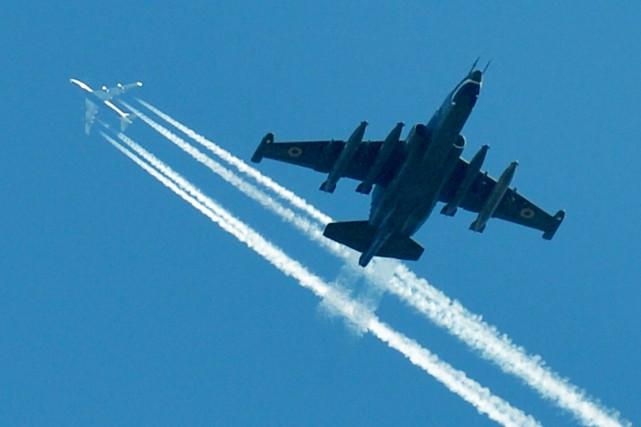 «On a observé la montée d'un avion ukrainien... (PHOTO SERGEI SUPINSKY, ARCHIVES AFP)