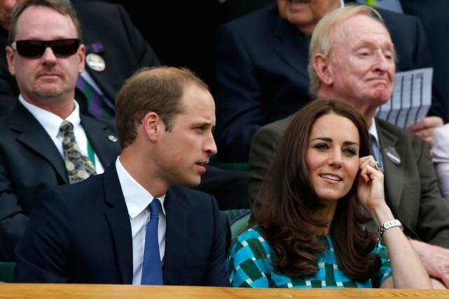 Catherine, duchesse de Cambridge, et le prince William... (PHOTO BEN CURTIS, ARCHIVES ASSOCIATED PRESS)