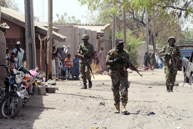 L'armée nigériane mène une offensive de grande envergure... (PHOTO PIUS UTOMI EKPEI, ARCHIVES AFP)