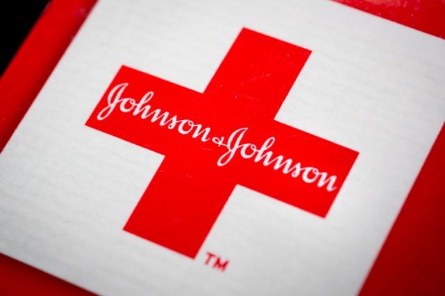 Le groupe pharmaceutique américain Johnson & Johnson (JNJ) a... (PHOTO JOHN EELLS, BLOOMBERG)