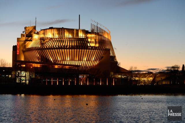 Les croupiers des casinos de Montréal et du... (PHOTO BERNARD BRAULT, ARCHIVES LA PRESSE)