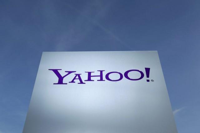 Yahoo! a fait du mobile une de ses... (DENIS BALIBOUSE, REUTERS)