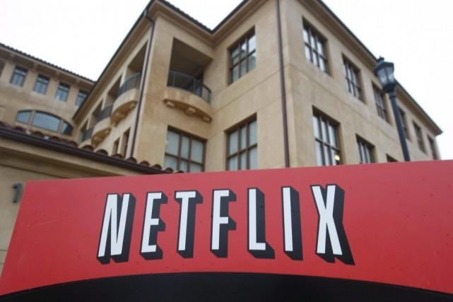 La capacité de bande passante fournie à Netflix... (Photo Marcio Jose Sanchez, Archives AP)