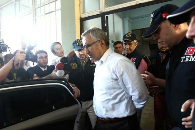 «Tout ça est politique», a affirméYurt Atayun, unancien... (Photo: AFP)