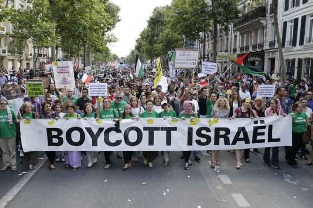 Des militants manifestaient mercredi à Paris leur soutien... (Photo: AFP)