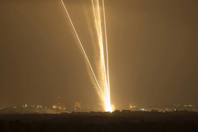 Des tirs de roquettes du Hamas ont de... (Photo: Reuters)