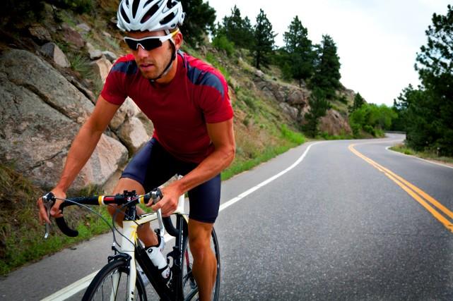 Sur deux roues, les cyclistes ne subissent pas... (Photo Masterfile)