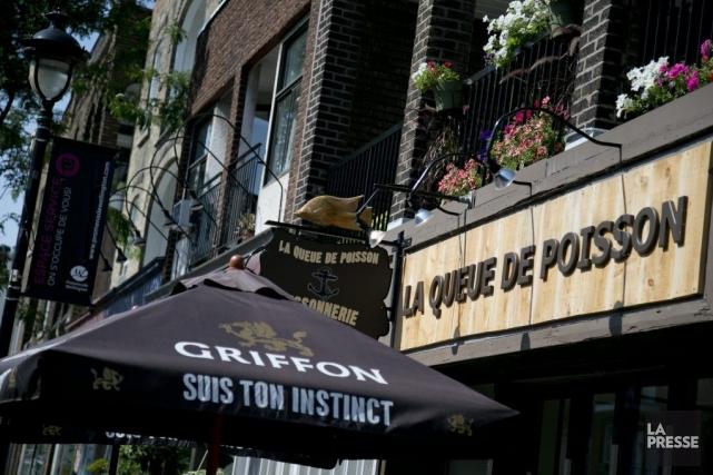 À La Queue de Poisson, onsert des fish&chips,... (PHOTO DAVID BOILY, LA PRESSE)