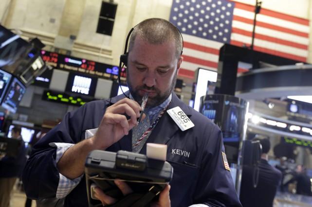 Wall Street a fini la semaine d'humeur sombre vendredi, plombée notamment par... (PHOTO ARCHIVES ASSOCIATED PRESS)