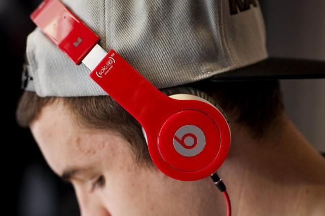 Bose, qui fabrique des écouteurs stéréo de luxe,... (Photo Archives Bloomberg)