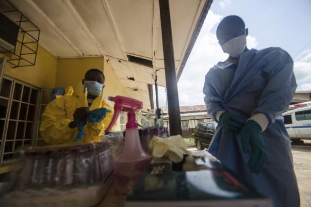 Le virus Ebola a tué 660 personnes depuis... (Photo Tommy Trenchard, Archives REUTERS)