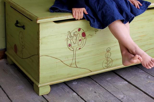 Coffre pour enfants en pin... (Photo Ariane Landa Nadeau)