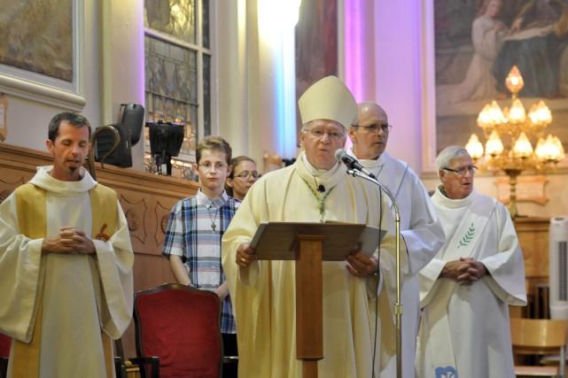 L'évêque du diocèse de de Chicoutimi, monseigneur André... ((Photo Rocket Lavoie))