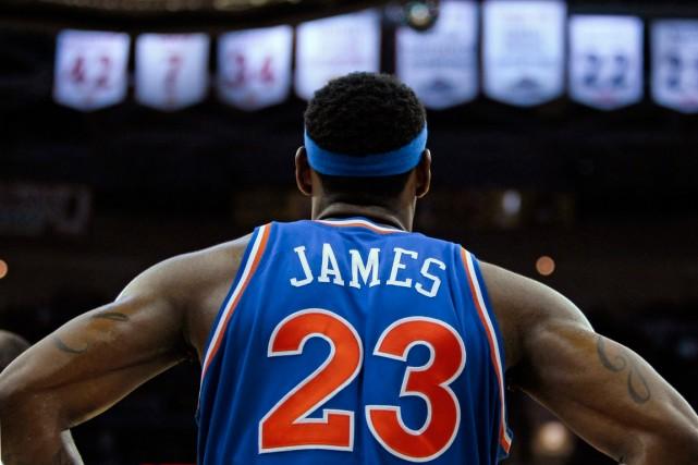 LeBron James... (PHOTO TONY DEJAK, ARCHIVES AP)