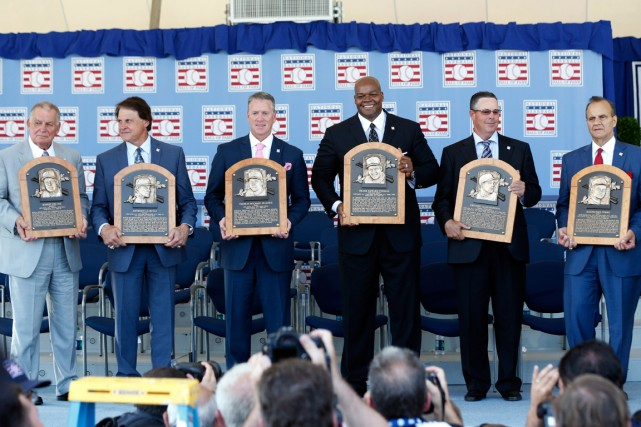 Bobby Cox, Tony La Russa, Tom Glavine, Frank... (Photo Mike Groll, Associated Press)