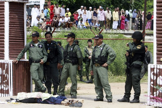 Les autorités avaient été placées en alerte en... (Photo SURAPAN BOONTHANOM, REUTERS)