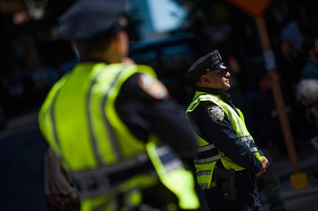 Trois policiers ont été blessés lundi à Manhattan dans un échange de tirs à... (Photo Keith Bedford, archives Reuters)