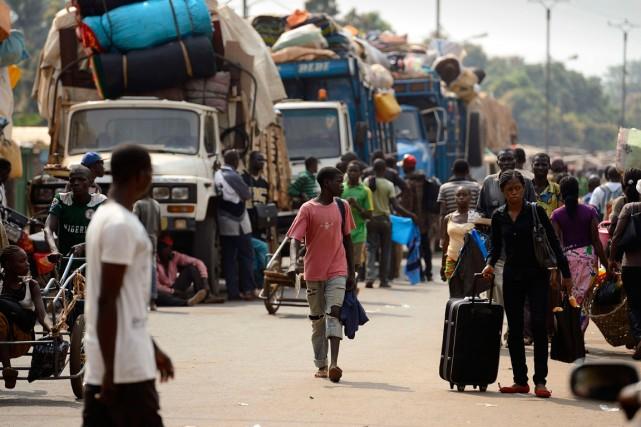Des musulmans fuyaient Bangui, la capitale centrafricaine le... (PHOTO ERIC FEFERBERG, ARCHIVES AGENCE FRANCE-PRESSE)