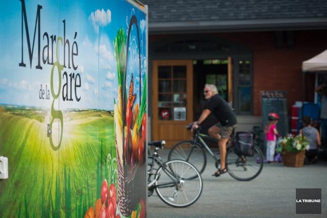 Le marché public a-t-il encore sa place à Sherbrooke? Le Marché de la gare... (Archives La Tribune, Jessica Garneau)