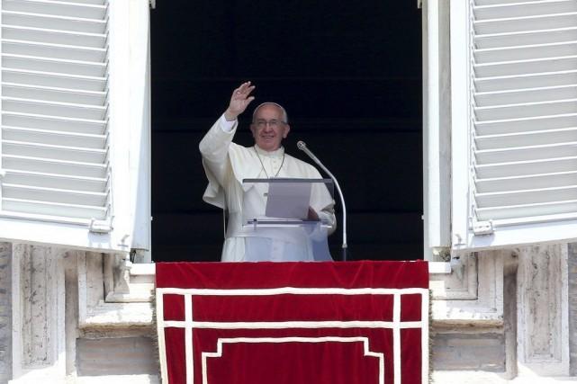Le pape Françoisestime important d'aller en 2015 en... (PHOTO ALESSANDRO BIANCHI, ARCHIVES REUTERS)