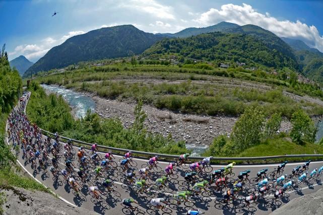 Le Giro 2015 partira en mai prochain de Sanremo, sur la Riviera des fleurs, a... (Photo Fabio Ferrari, archives AP)