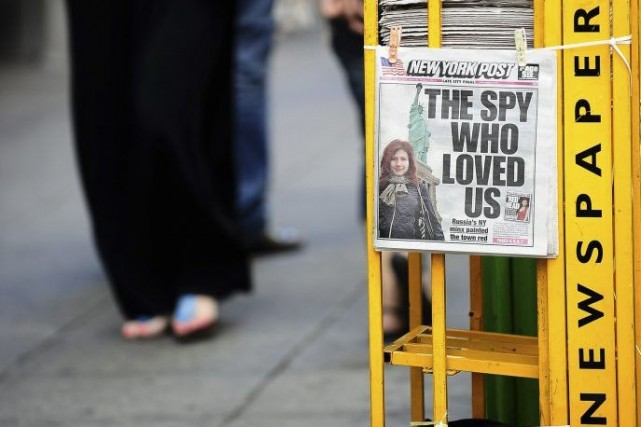 Les quotidiens américains ont vécu une année 2013 difficile et ont supprimé au... (Photo: AFP)