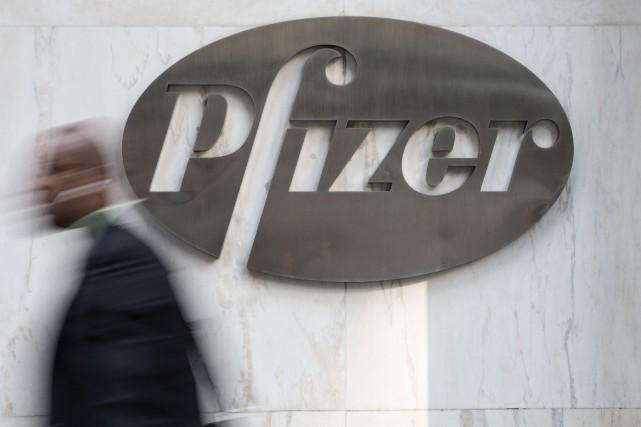 Le groupe pharmaceutique américain Pfizer (PFE), en quête de... (Photo ANDREW KELLY, REUTERS)