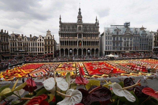 La Grand-Place couverte de fleurs en 2012.... (Photo REUTERS)