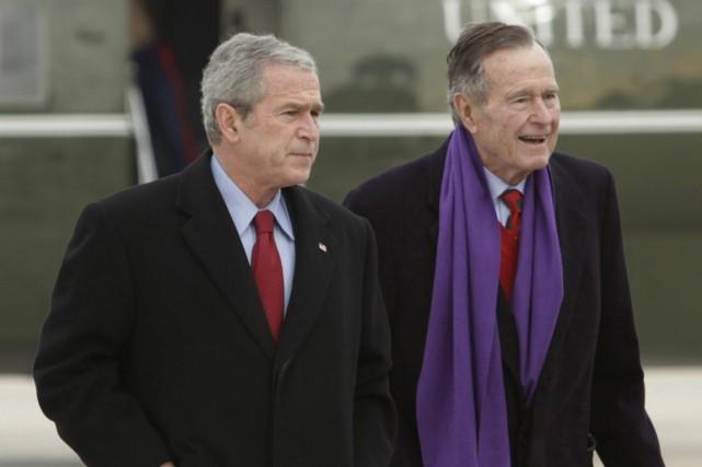 L'ancien président américain George W. Bush a écrit «une biographie... (Photo archives AP)