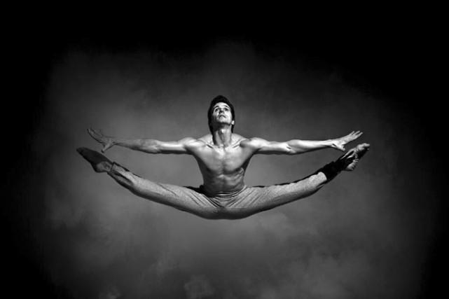 Guillaume Côté a intégré le Ballet national du... (Photo: Matt Barnes, fournie par le Festival des arts de Saint-Sauveur)