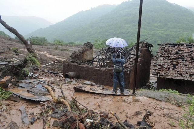 Les pluies de mousson ont provoqué un énorme... (PHOTO INDRANIL MUKHERJEE, AFP)