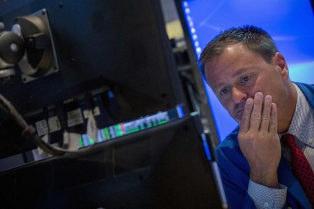 En baisse dès le début des échanges, les... (PHOTO BRENDAN MCDERMID, ARCHIVES REUTERS)
