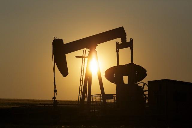 Les cours du pétrole coté à New York sont tombés à leur plus bas niveau depuis... (Photo archives Reuters)