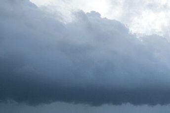 Une tornade a touché le sol jeudi après-midi à Pont-Rouge, dans la région de... (Photo d'archives, AP)