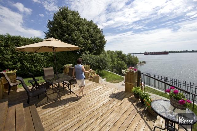 en ville au bord de l 39 eau la suite carole thibaudeau projets immobiliers. Black Bedroom Furniture Sets. Home Design Ideas